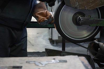 ročno brušenje železa